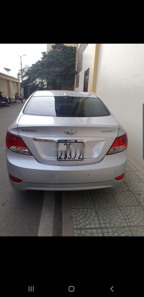 Bán Hyundai Accent 2011, màu bạc, nhập khẩu, giá tốt (2)