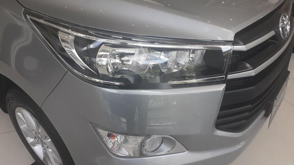 Bán xe Toyota Innova đời 2019, màu bạc, giá tốt (8)
