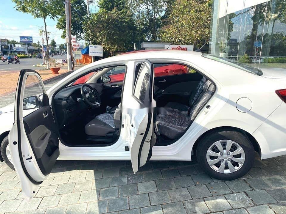 Cần bán xe Kia Soluto đời 2019, màu trắng, giá tốt (6)