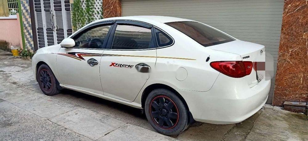 Bán Hyundai Elantra đời 2011, màu trắng, nhập khẩu, xe gia đình (2)
