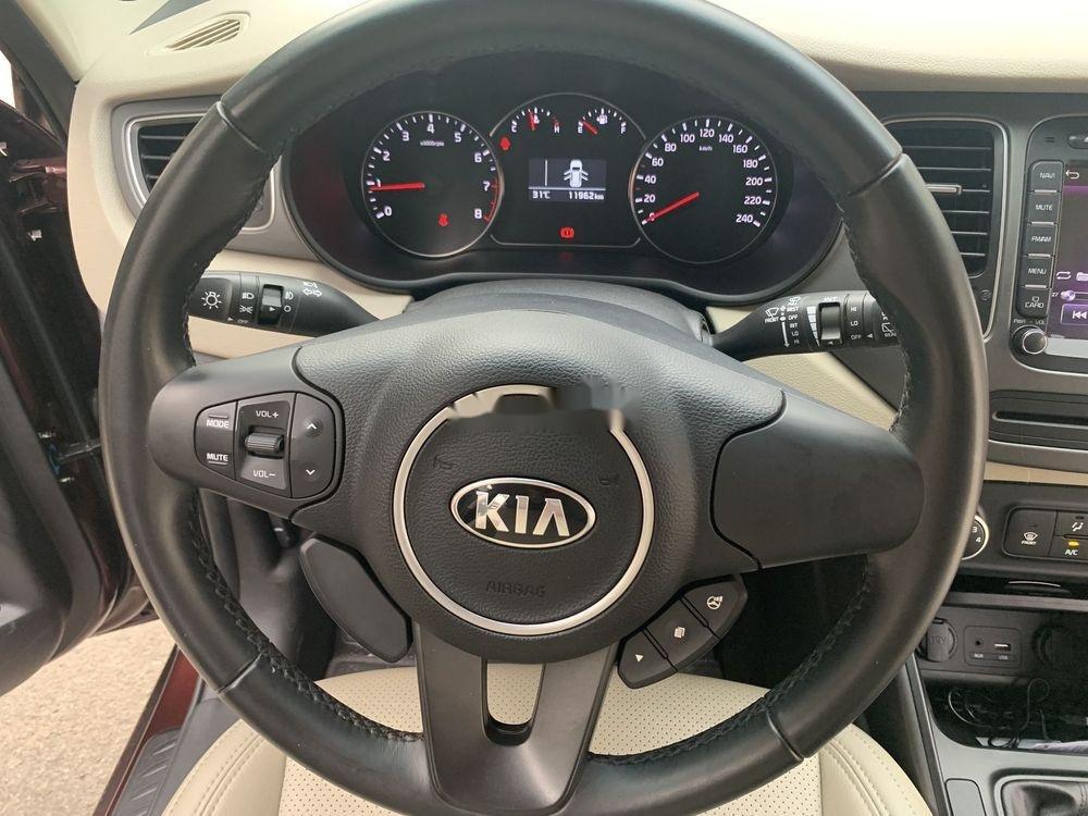 Cần bán lại xe Kia Rondo sản xuất năm 2018, màu nâu xe nguyên bản (8)