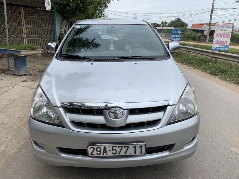 Cần bán Toyota Innova 2008, màu bạc số sàn xe nguyên bản (1)