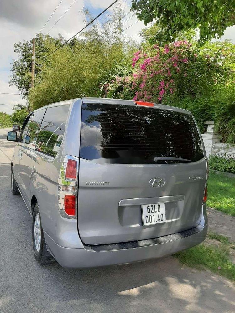 Cần bán xe Hyundai Grand Starex đời 2012, màu bạc, xe nhập còn mới, 415 triệu xe nguyên bản (2)
