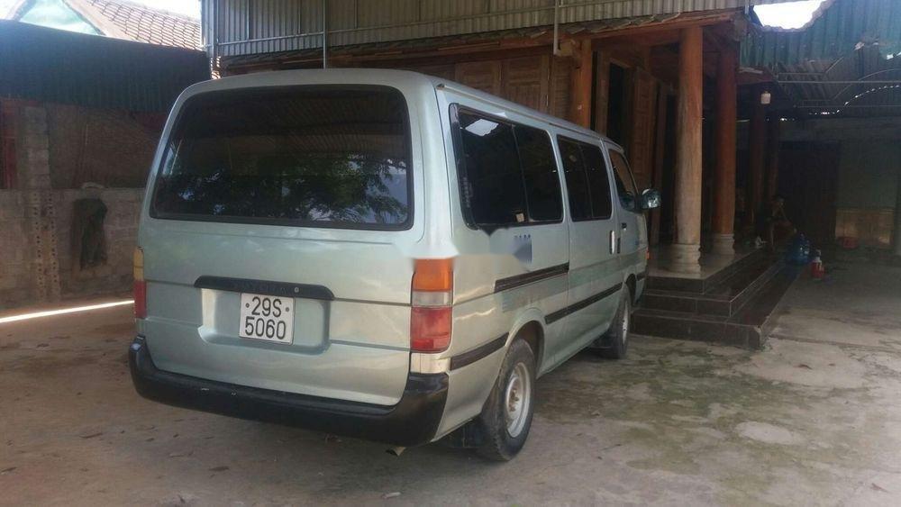 Bán Toyota Hiace sản xuất 2003, nhập khẩu nguyên chiếc chính hãng (10)