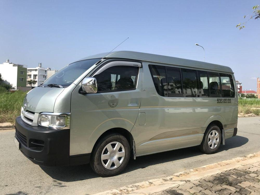 Bán Toyota Hiace đời 2010 chính chủ, 435tr xe nguyên bản (2)