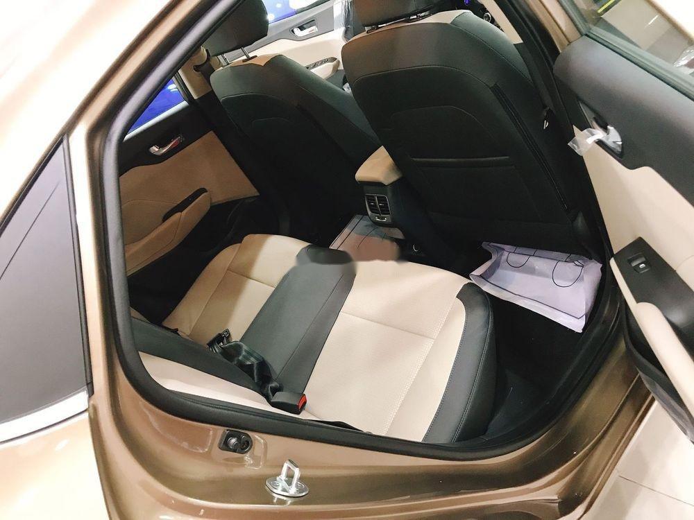 Bán Hyundai Accent sản xuất năm 2019, màu vàng, 425 triệu (5)