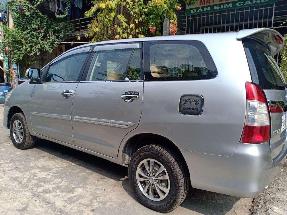 Bán Toyota Innova MT năm sản xuất 2014, màu bạc, nhập khẩu nguyên chiếc (3)
