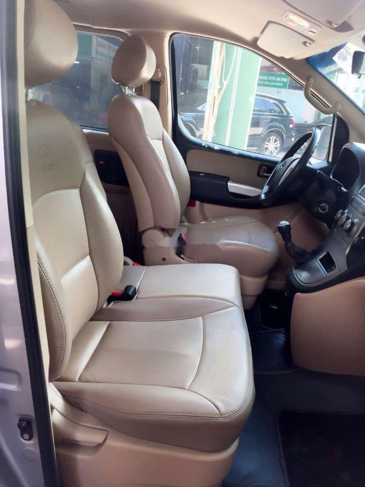 Cần bán xe Hyundai Grand Starex đời 2012, màu bạc, xe nhập còn mới, 415 triệu xe nguyên bản (3)