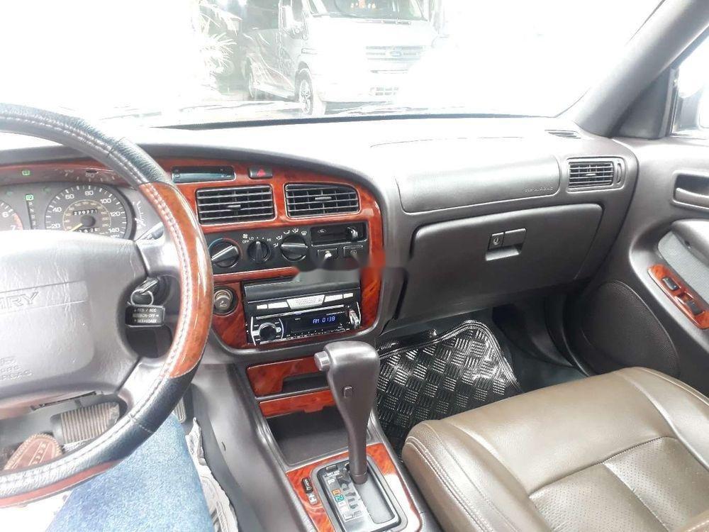 Cần bán gấp Toyota Camry đời 1996, màu đen, xe nhập chính chủ (3)