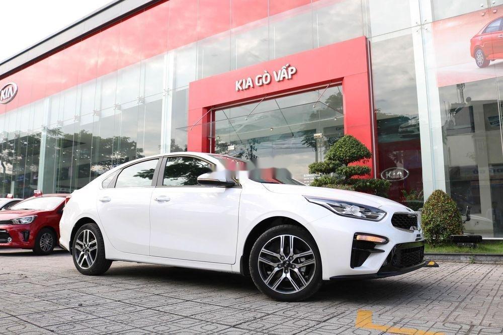 Bán Kia Cerato sản xuất 2019, màu trắng, số tự động (2)