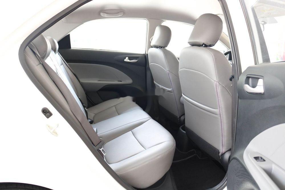 Bán ô tô Kia Soluto 2019, màu trắng, giá 399tr (12)