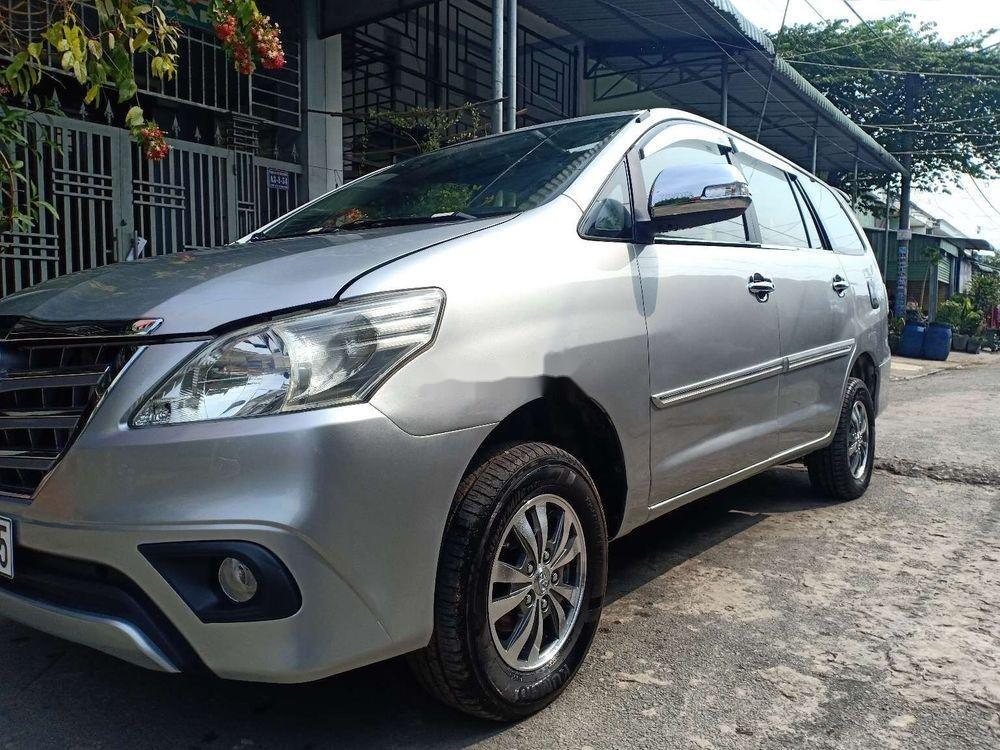 Bán Toyota Innova MT năm sản xuất 2014, màu bạc, nhập khẩu nguyên chiếc (4)