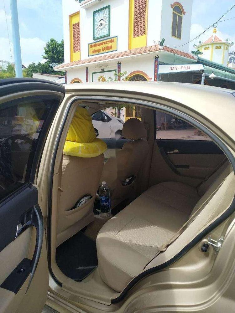 Cần bán Chevrolet Aveo đời 2016, màu vàng, xe gia đình, giá 295tr (6)