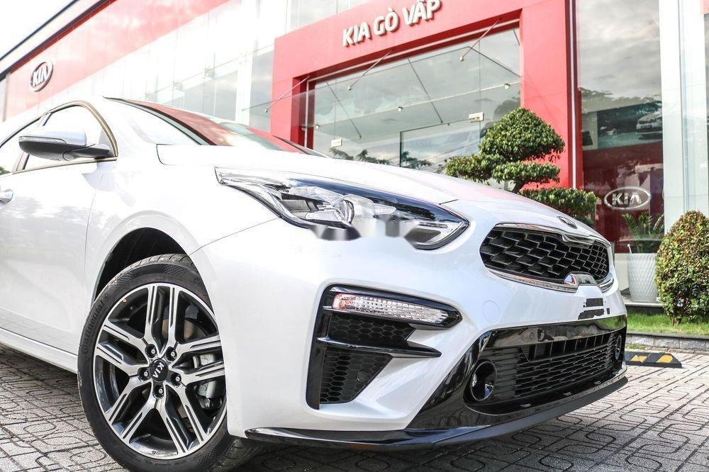 Bán Kia Cerato sản xuất 2019, màu trắng, số tự động (3)