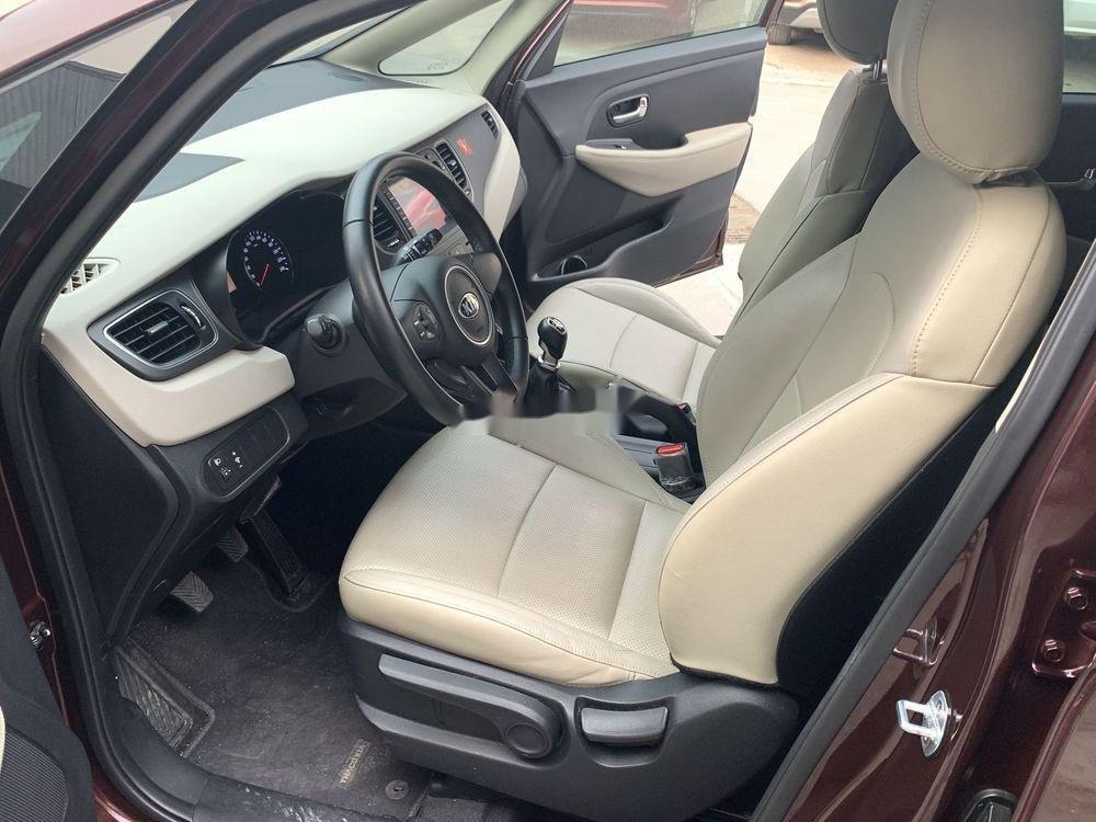 Cần bán lại xe Kia Rondo sản xuất năm 2018, màu nâu xe nguyên bản (4)