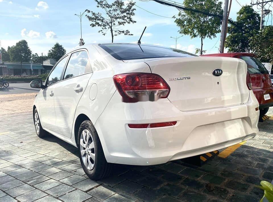 Cần bán xe Kia Soluto đời 2019, màu trắng, giá tốt (4)