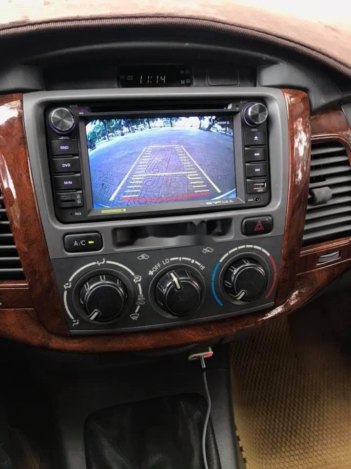 Bán Toyota Innova 2012, màu bạc xe nguyên bản (7)