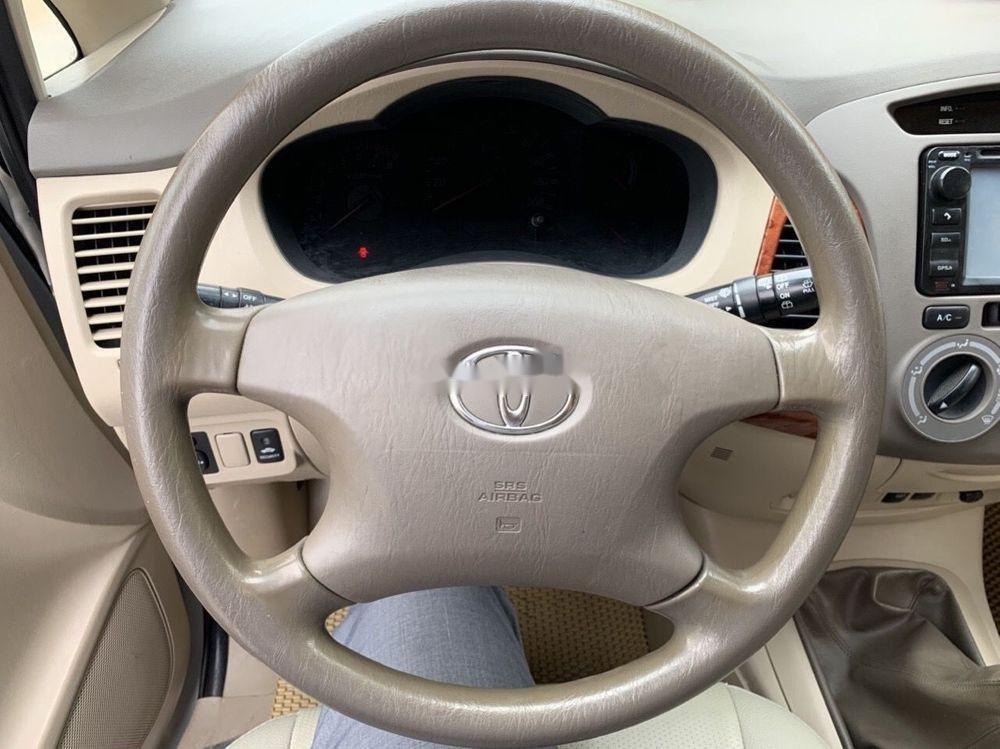Cần bán Toyota Innova 2008, màu bạc số sàn xe nguyên bản (9)
