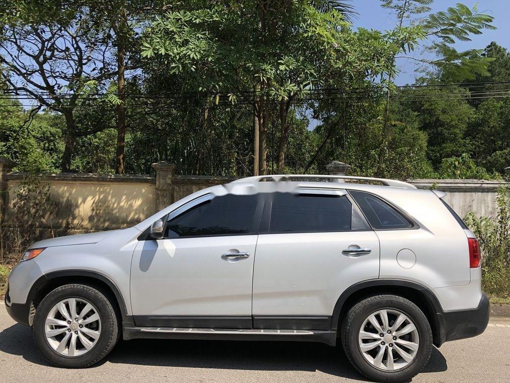 Cần bán gấp Kia Sorento sản xuất năm 2013, màu bạc xe gia đình xe nguyên bản (4)