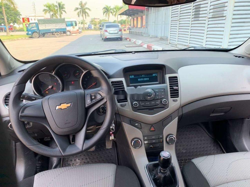 Bán Chevrolet Cruze năm sản xuất 2016, màu đen, chính chủ, 388 triệu (7)
