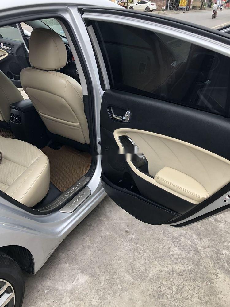 Cần bán gấp Kia Cerato 2016, màu bạc, xe nhập xe gia đình (5)