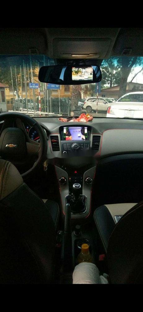 Bán Chevrolet Cruze năm 2011, màu đen, xe nhập chính hãng (2)