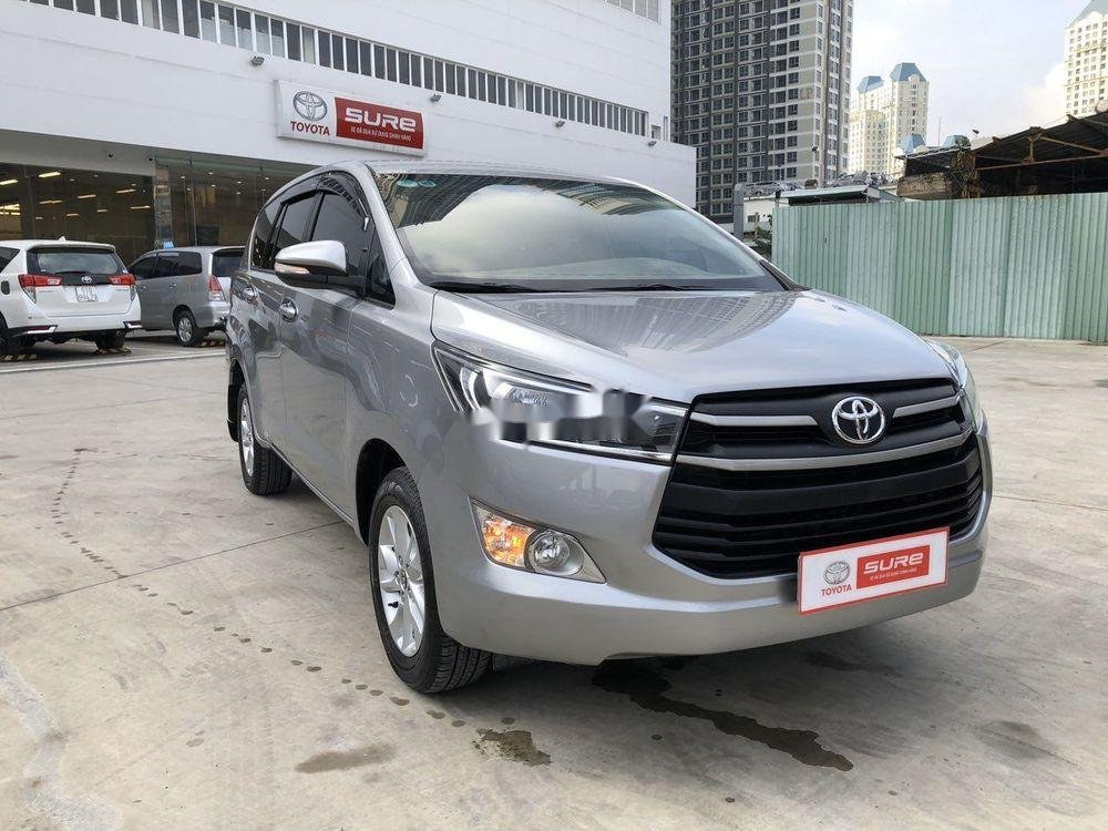 Cần bán xe Toyota Innova đời 2017, màu bạc, full đồ chơi (6)