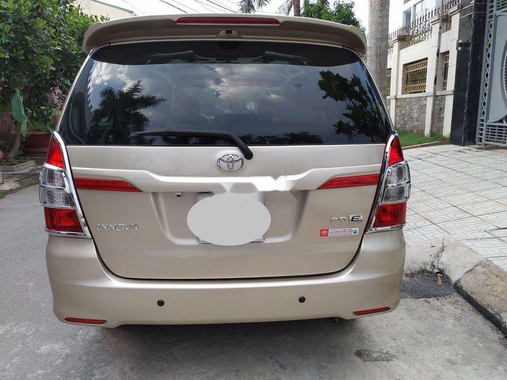 Bán Toyota Innova E sản xuất 2014, giá chỉ 438 triệu (9)