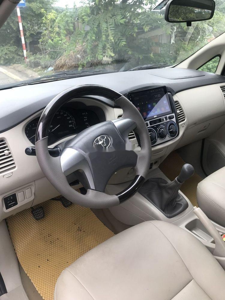 Bán Toyota Innova đời 2013 xe nguyên bản (4)