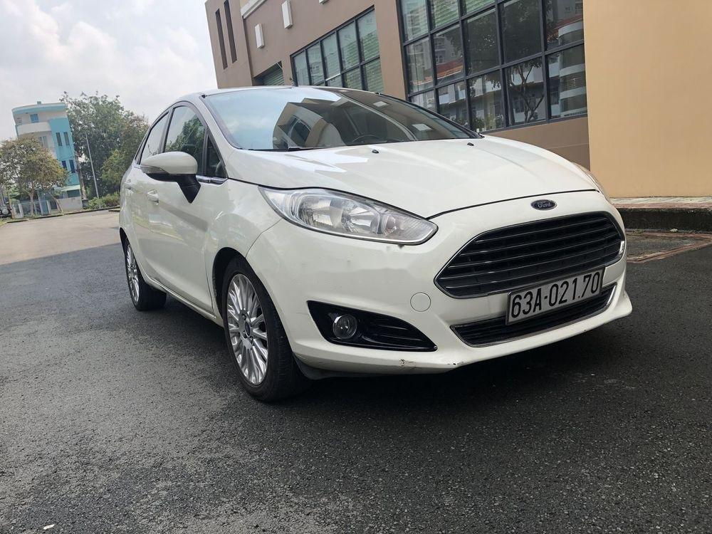 Cần bán gấp Ford Fiesta năm sản xuất 2014, xe nguyên bản (6)