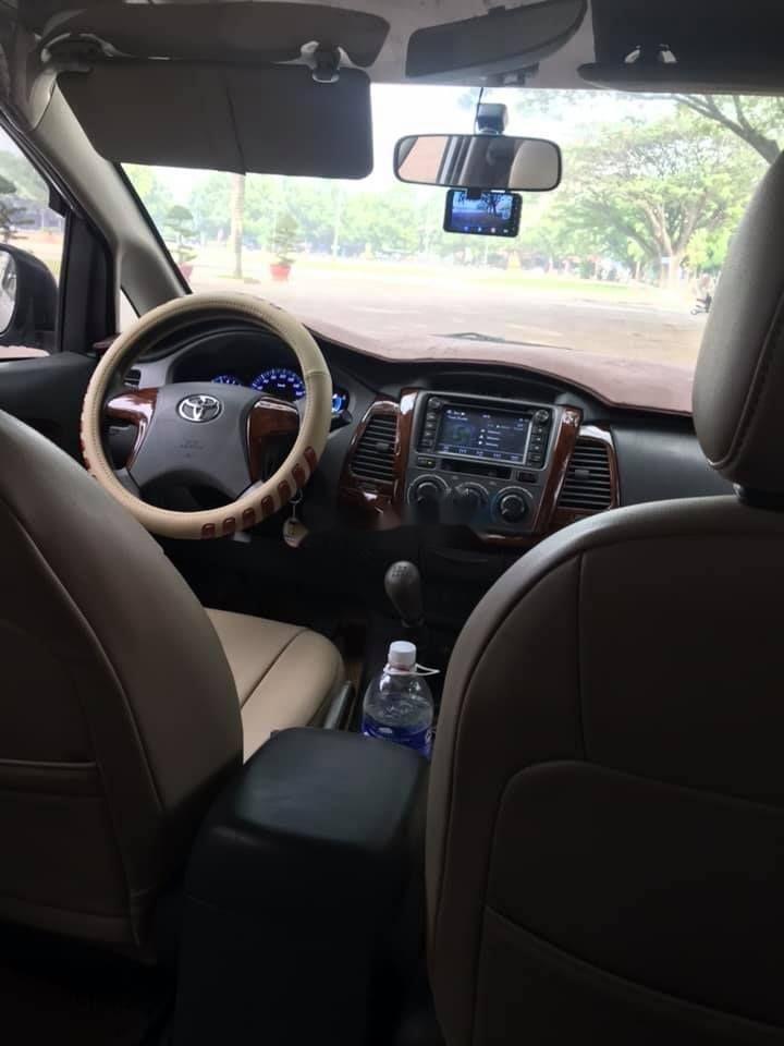 Bán Toyota Innova 2012, màu bạc xe nguyên bản (6)