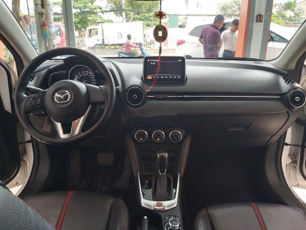 Cần bán gấp Mazda 2 sản xuất 2016, màu trắng chính chủ, giá 465tr xe nguyên bản (6)