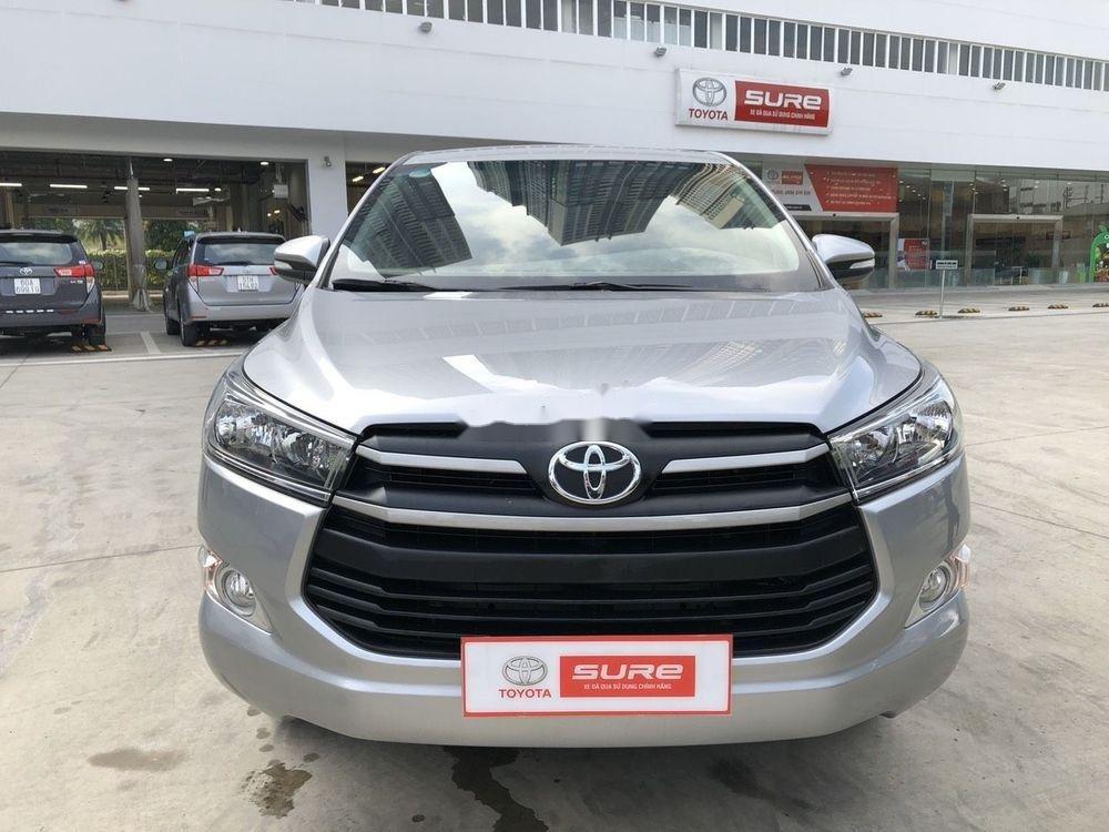 Cần bán xe Toyota Innova đời 2017, màu bạc, full đồ chơi (1)