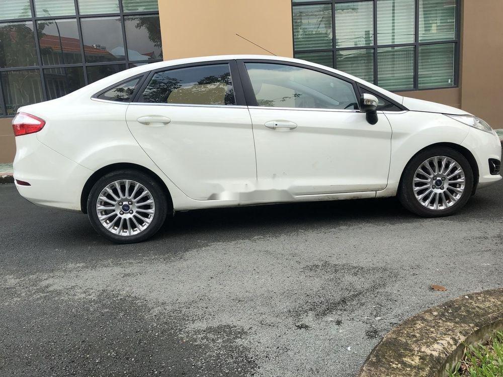 Cần bán gấp Ford Fiesta năm sản xuất 2014, xe nguyên bản (1)