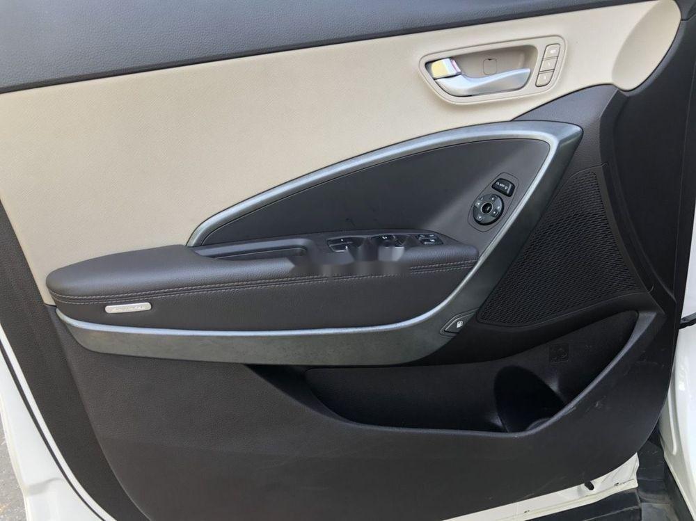 Cần bán Hyundai Santa Fe sản xuất 2018, màu trắng xe nguyên bản (12)