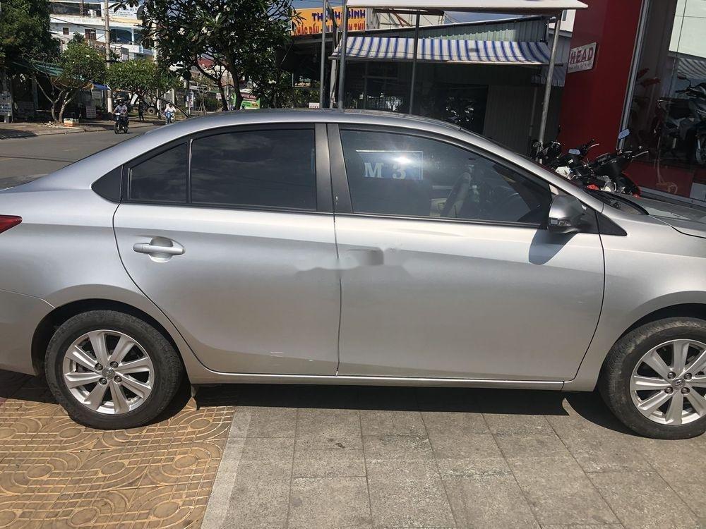 Bán Toyota Vios 2016, màu bạc số tự động, giá tốt (1)