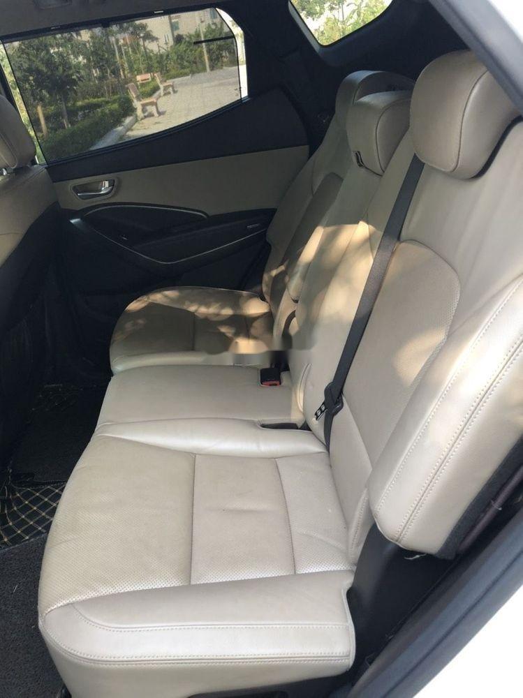 Cần bán Hyundai Santa Fe sản xuất 2018, màu trắng xe nguyên bản (7)