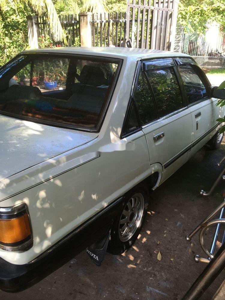 Bán Toyota Carina đời 1982, màu trắng, nhập khẩu  (2)