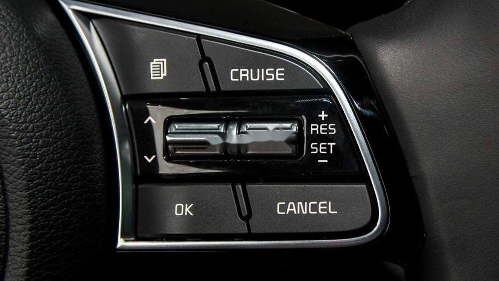Bán xe Kia Cerato đời 2019, màu đen, giá tốt (5)