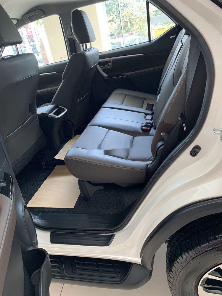 Cần bán xe Toyota Fortuner đời 2019, màu trắng, giá tốt (5)