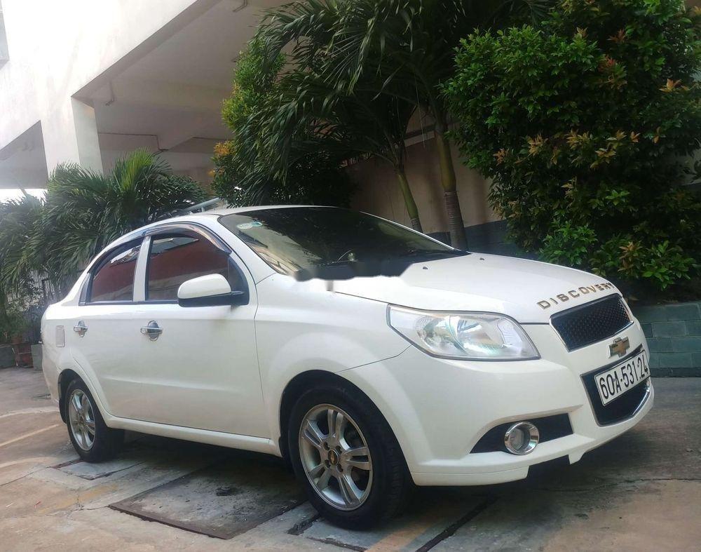 Bán ô tô Chevrolet Aveo sản xuất 2013, màu trắng xe nguyên bản (7)
