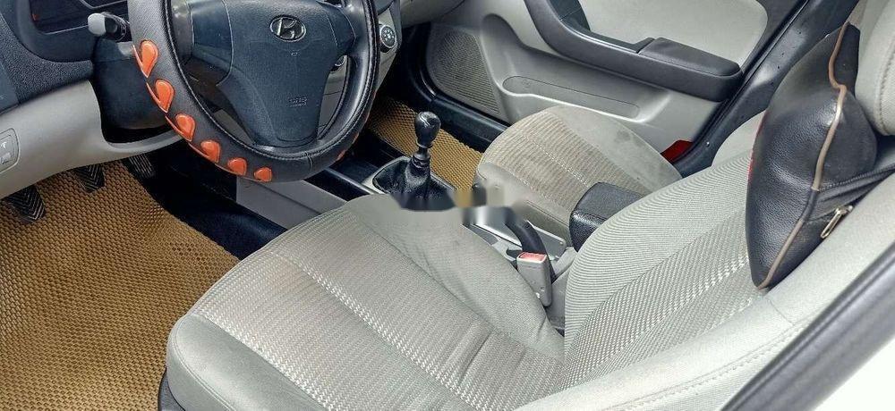 Bán Hyundai Elantra đời 2011, màu trắng, nhập khẩu, xe gia đình (7)