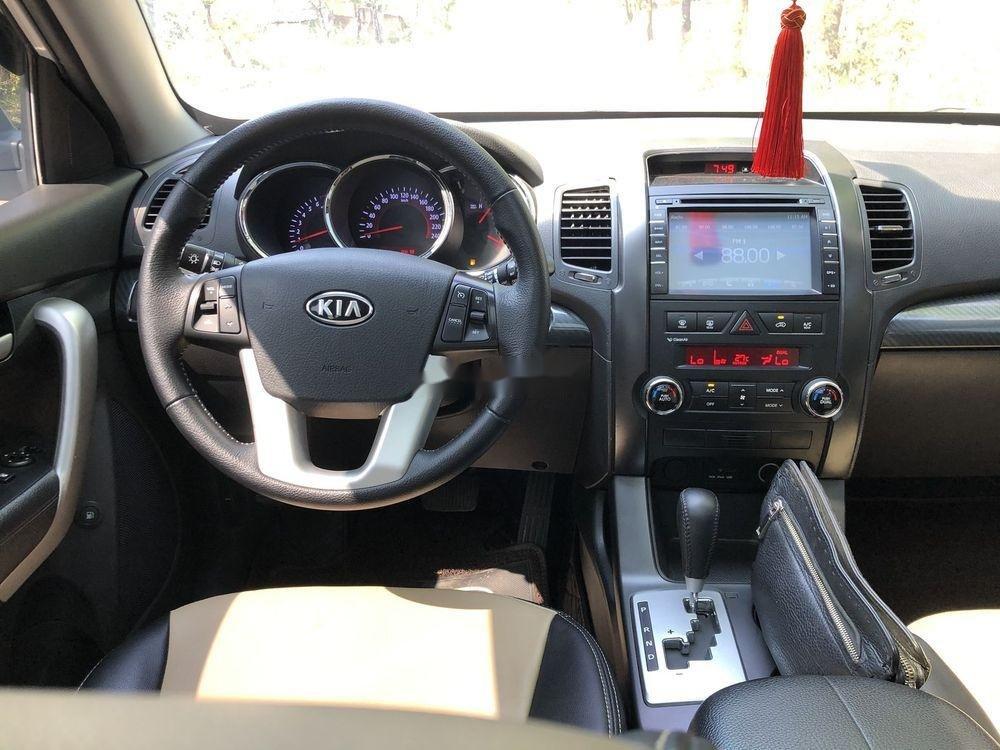 Cần bán gấp Kia Sorento sản xuất năm 2013, màu bạc xe gia đình xe nguyên bản (12)