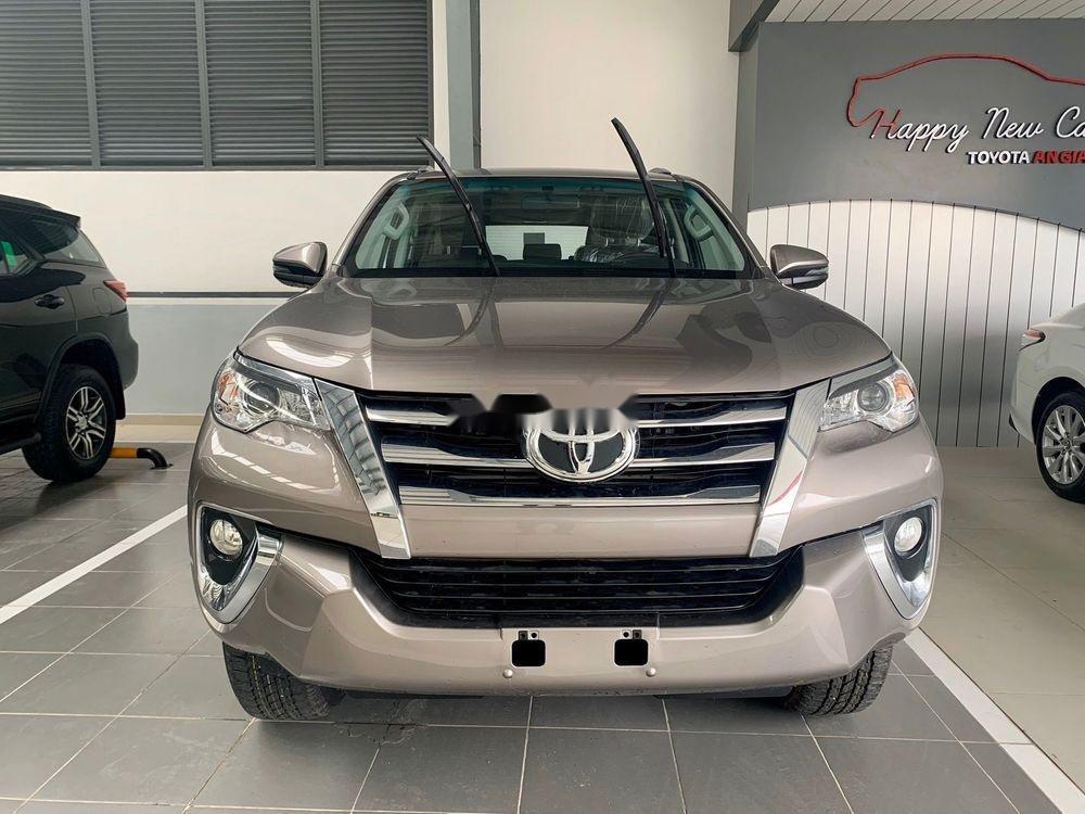 Bán Toyota Innova sản xuất năm 2019, giá chỉ 771 triệu (1)
