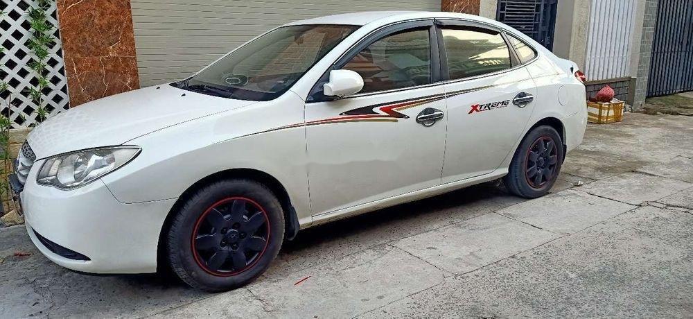 Bán Hyundai Elantra đời 2011, màu trắng, nhập khẩu, xe gia đình (4)