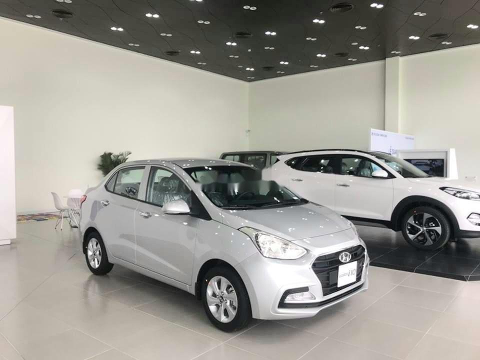 Cần bán xe Hyundai Grand i10 năm sản xuất 2019, màu trắng giá cạnh tranh xe nội thất đẹp (2)