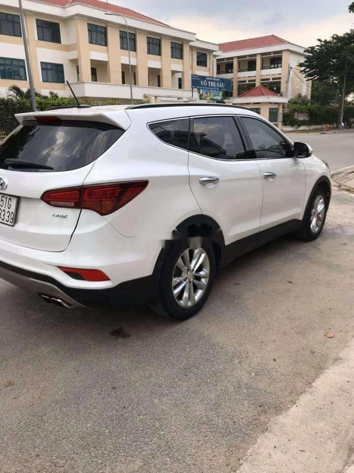 Cần bán xe Hyundai Santa Fe năm sản xuất 2018 nhập khẩu nguyên chiếc chính hãng (1)