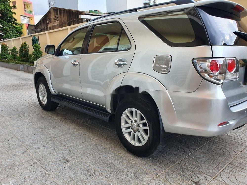 Bán ô tô Toyota Fortuner 2014, màu bạc xe nguyên bản (6)