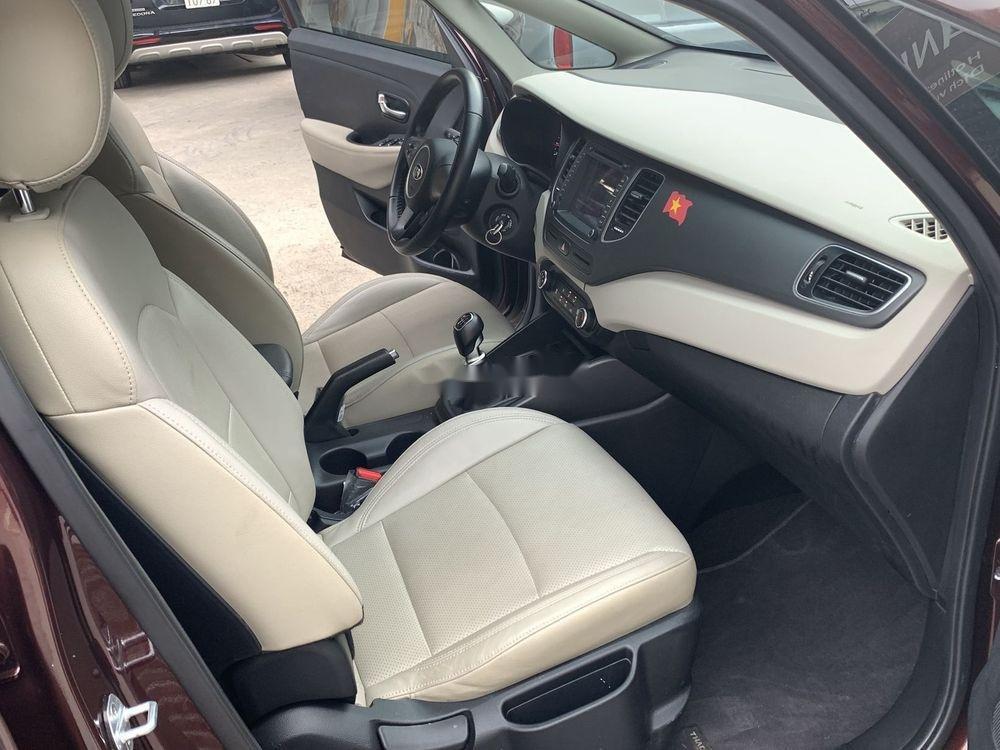 Cần bán lại xe Kia Rondo sản xuất năm 2018, màu nâu xe nguyên bản (5)