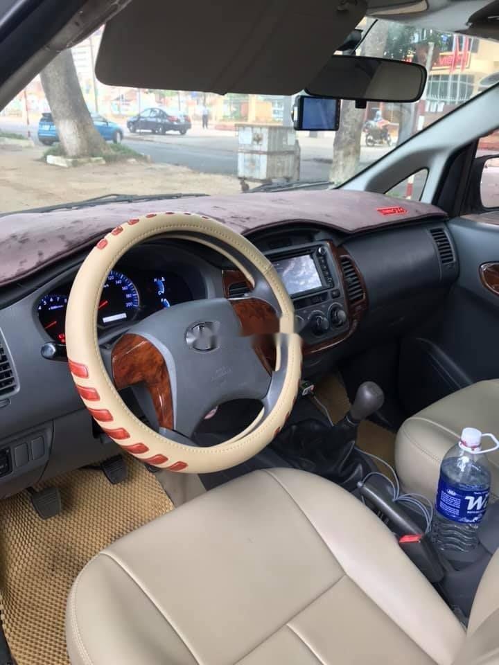 Bán Toyota Innova 2012, màu bạc xe nguyên bản (5)